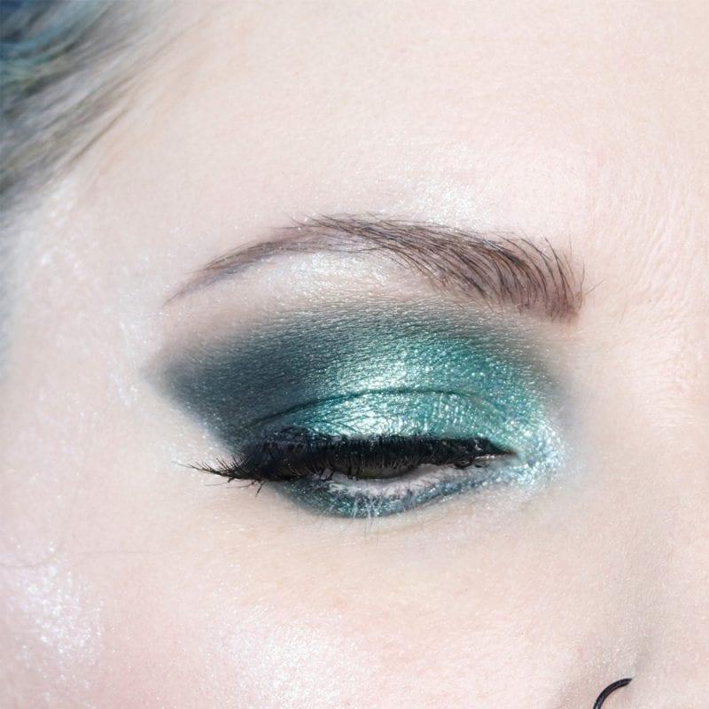 Cool Toned Hooded Eye Makeup Tutorial