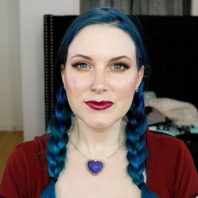 Natasha Denona Mini Lila Tutorial on Pale Skin