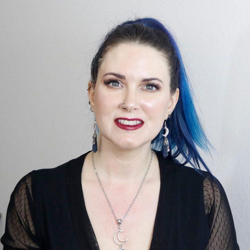 Courtney is wearing Idun Minerals Björnbär lipstick