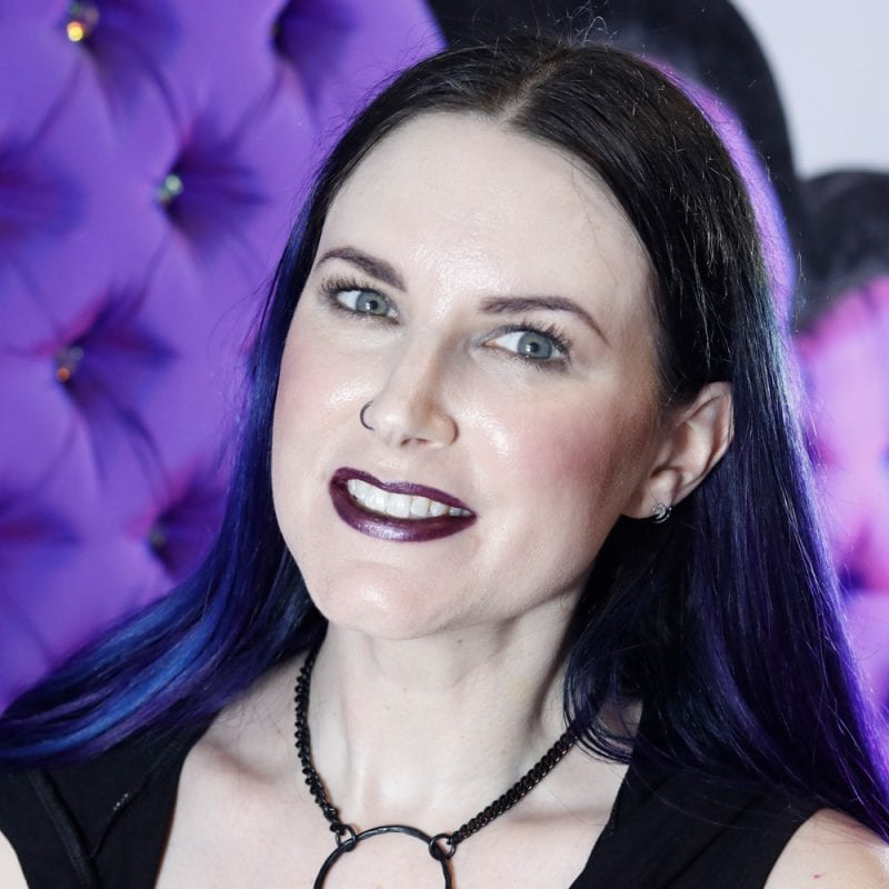 Back to School Goth Makeup Tutorial - Stila Suede Shade Liquid Eye Shadows