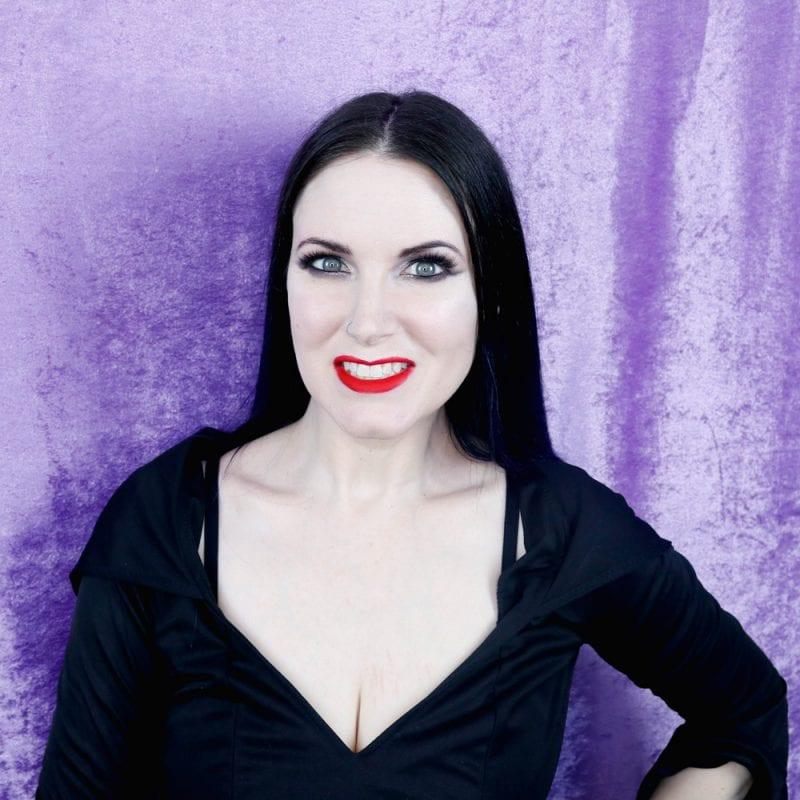 Morticia Addams Look