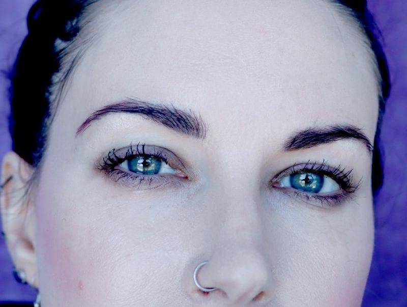 Jillian Dempsey Lid Tint in Smoke on fair skin with blue-green eyes