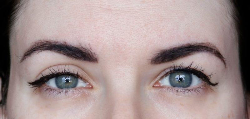 eyelid tape vs no tape