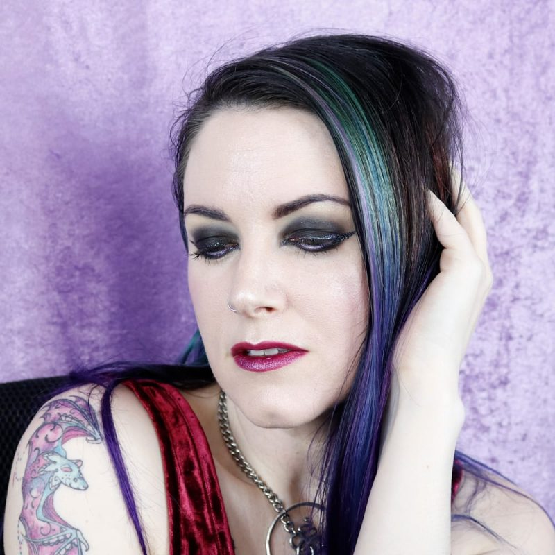 Brandless Makeup Tutorial #hoodedeyes #duochromemakeup #indiemakeup #crueltyfree #vegan #gothic