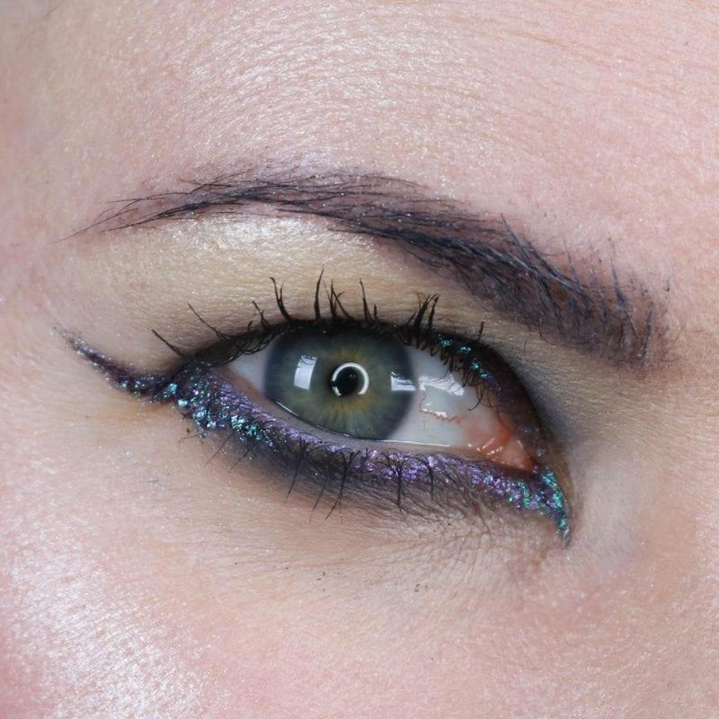 Winged Eyeliner on Hooded Eyes #hoodedeyes #crueltyfree #duochrome