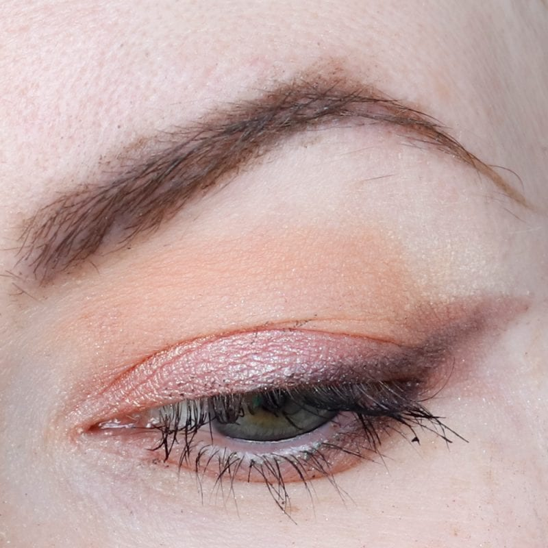 Urban Decay Naked Ultraviolet Palette Peach Look