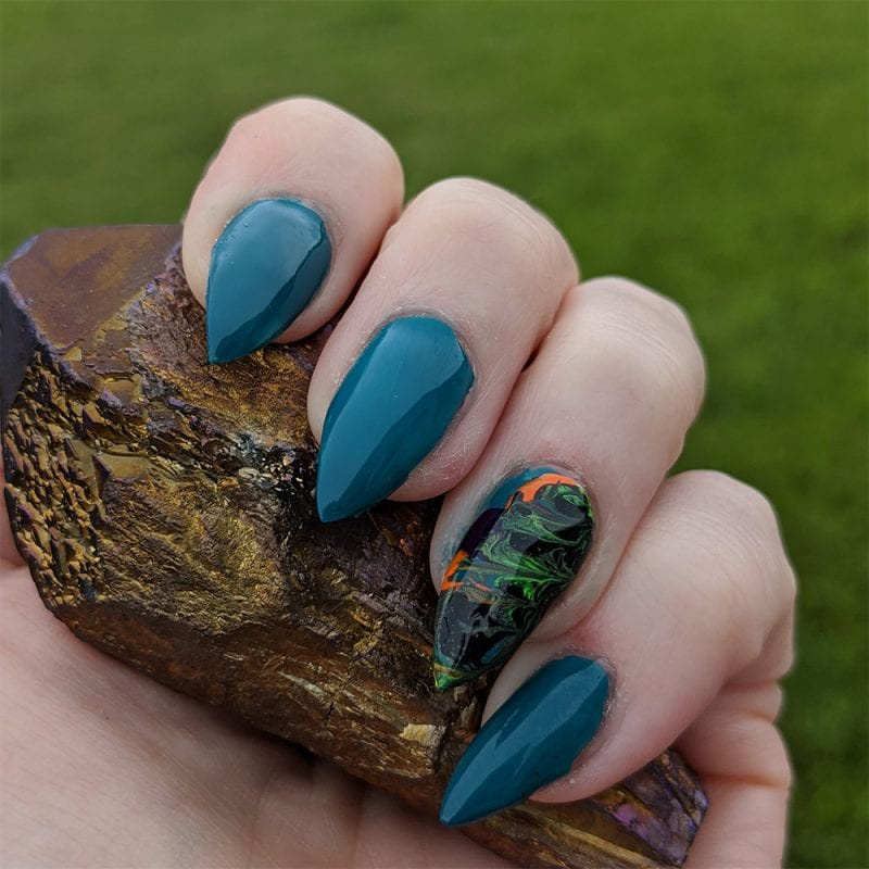 Fluid Art Nails