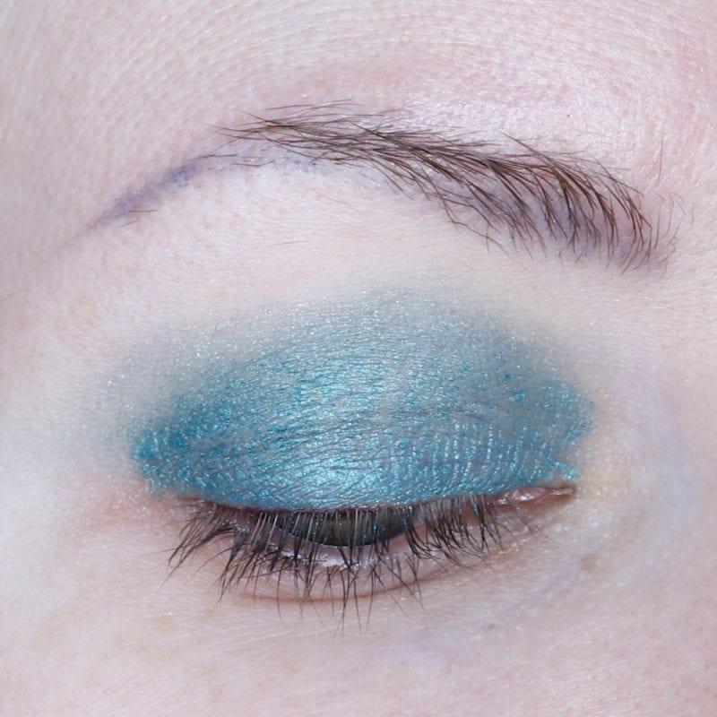 Covergirl Exhibitionist Luminati Lid Paint in Night Night Swatch